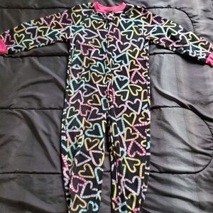 girl 5t one piece footed pj black